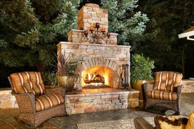 15 Awe Inspiring Fireplaces Perfect For The South