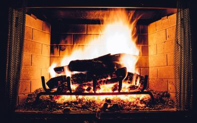 15 Awe-Inspiring Fireplaces Perfect for the South