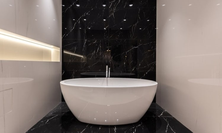 The 10 Most Expensive Bathtubs on Wayfair